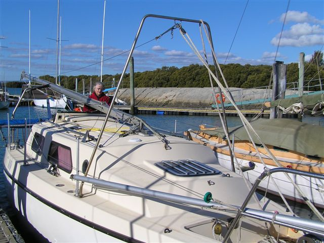 Rl trailable yachts from rob legg yachts we have an inner forestay which kay keeps tensioned while i change the forestay over to a fitting on the deck we use a large robust highfield lever to publicscrutiny Images